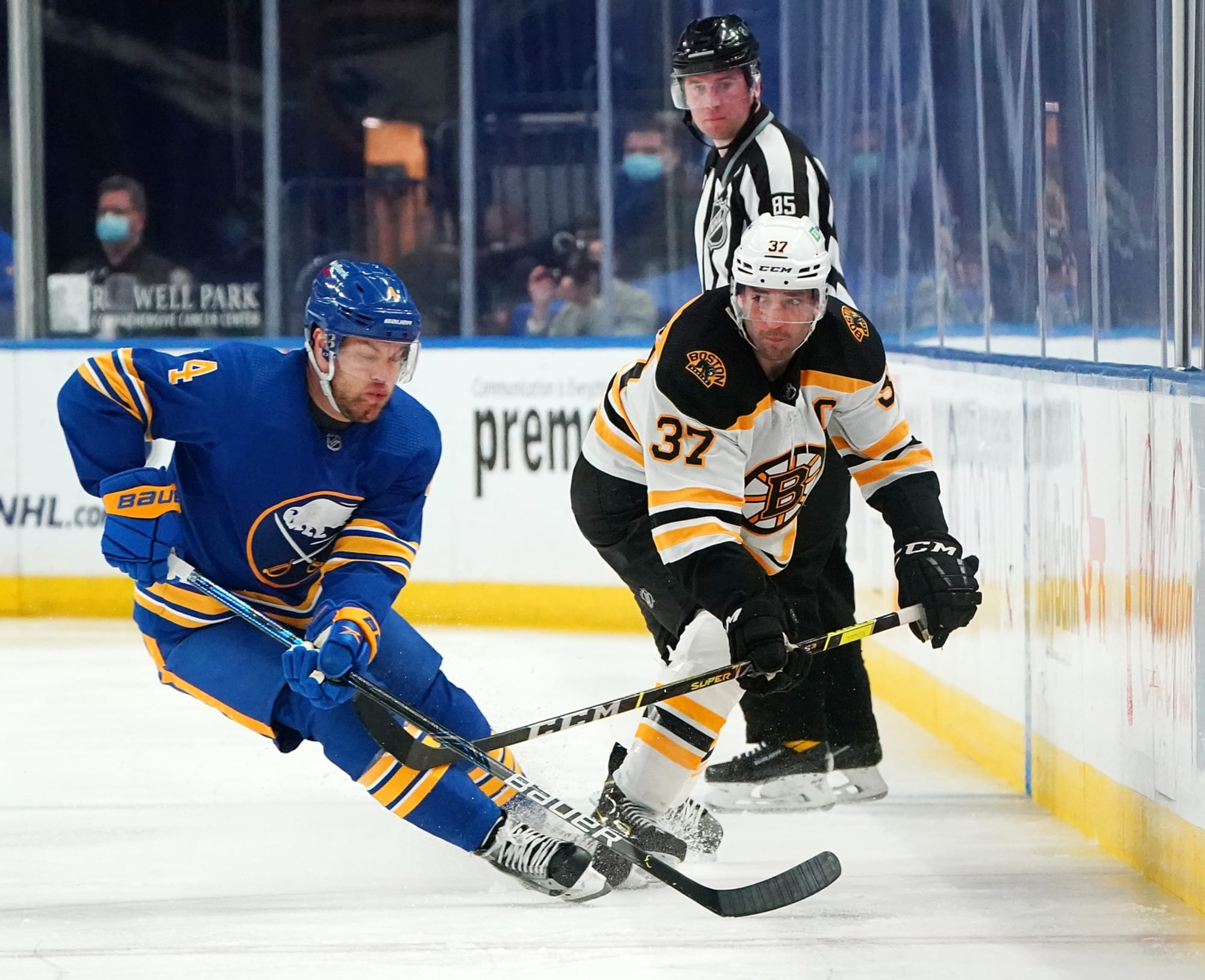 Buffalo Sabres: Taylor Hall trade a failure on multiple levels