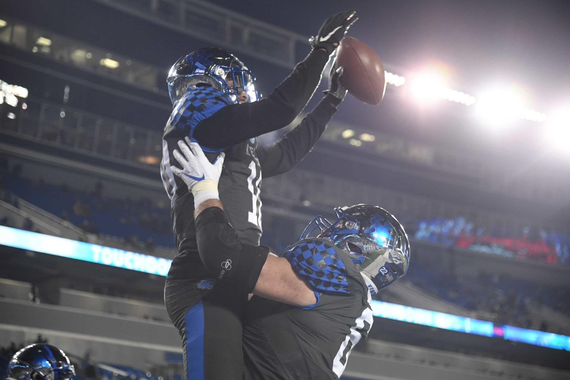 Kentucky football: Cats roll a twin Yahtzee luring Wade's to Lexington