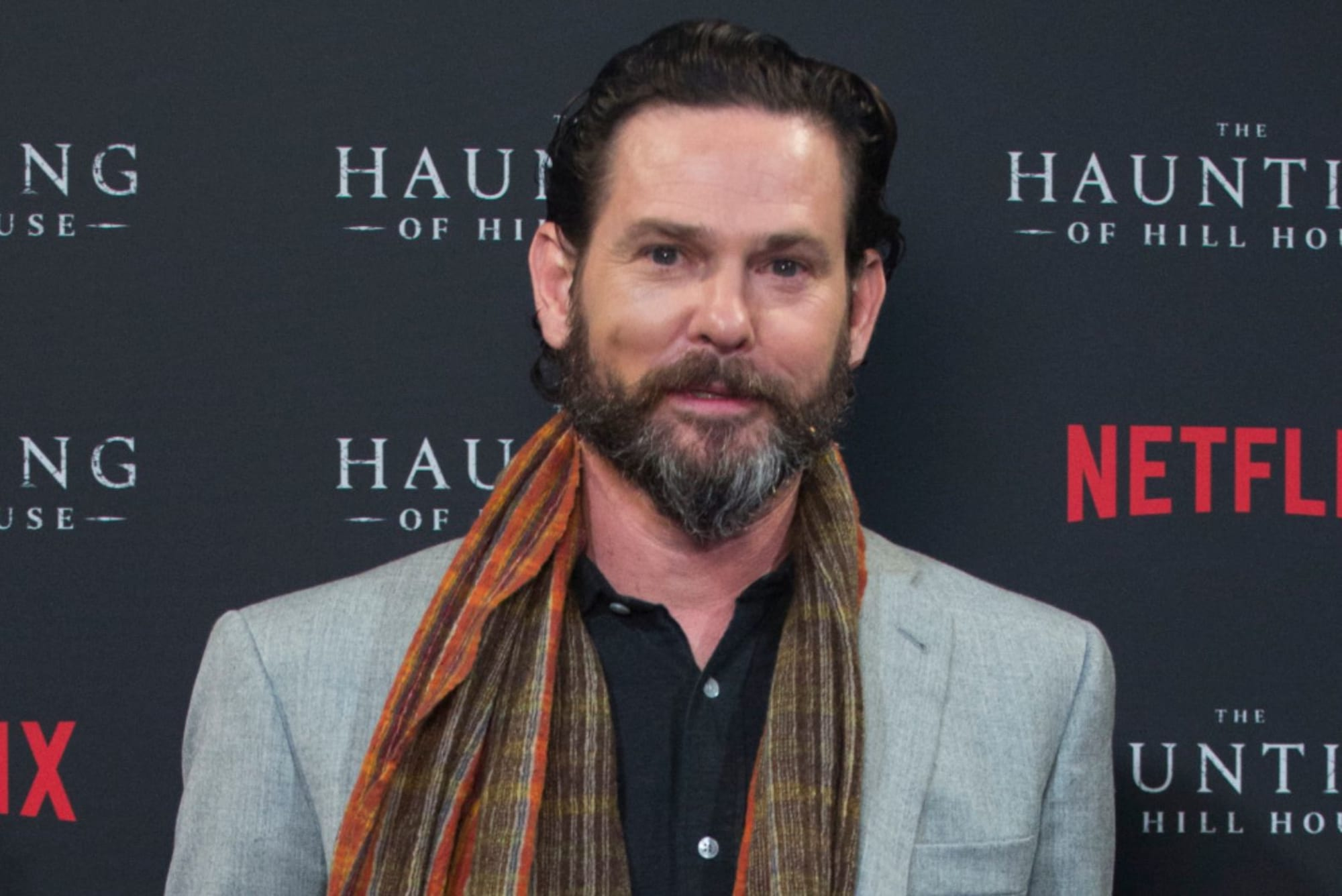 The Haunting Of Hill House Star Henry Thomas Returns For Season 2
