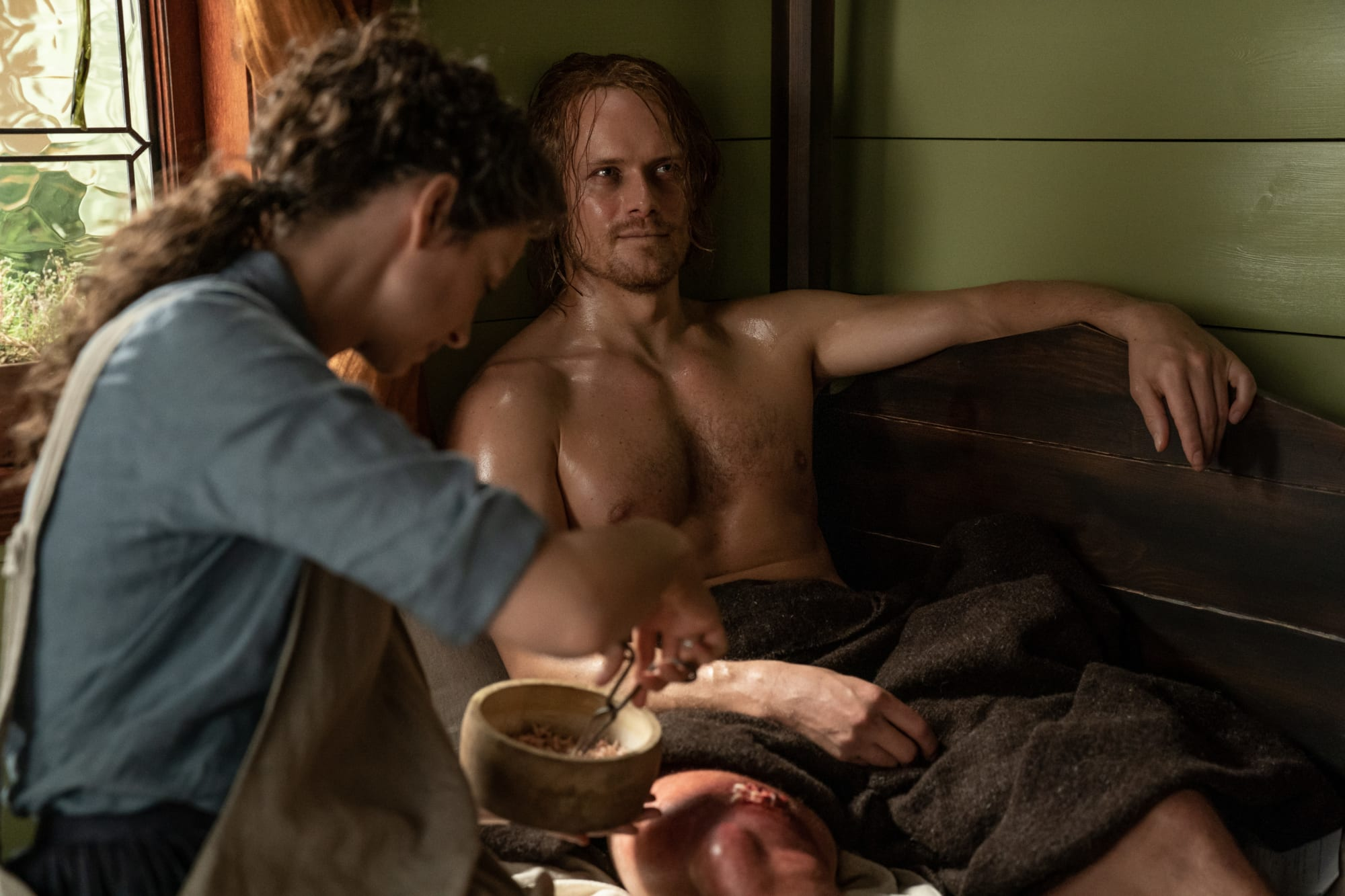 Sam Heughan (Jamie) talks working with maggots on Outlander season 5