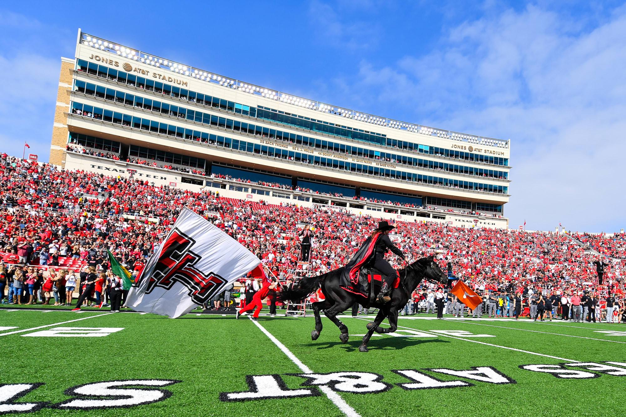 Texas Tech Football Classics Red Raiders Hold Off Nebraska In 2008