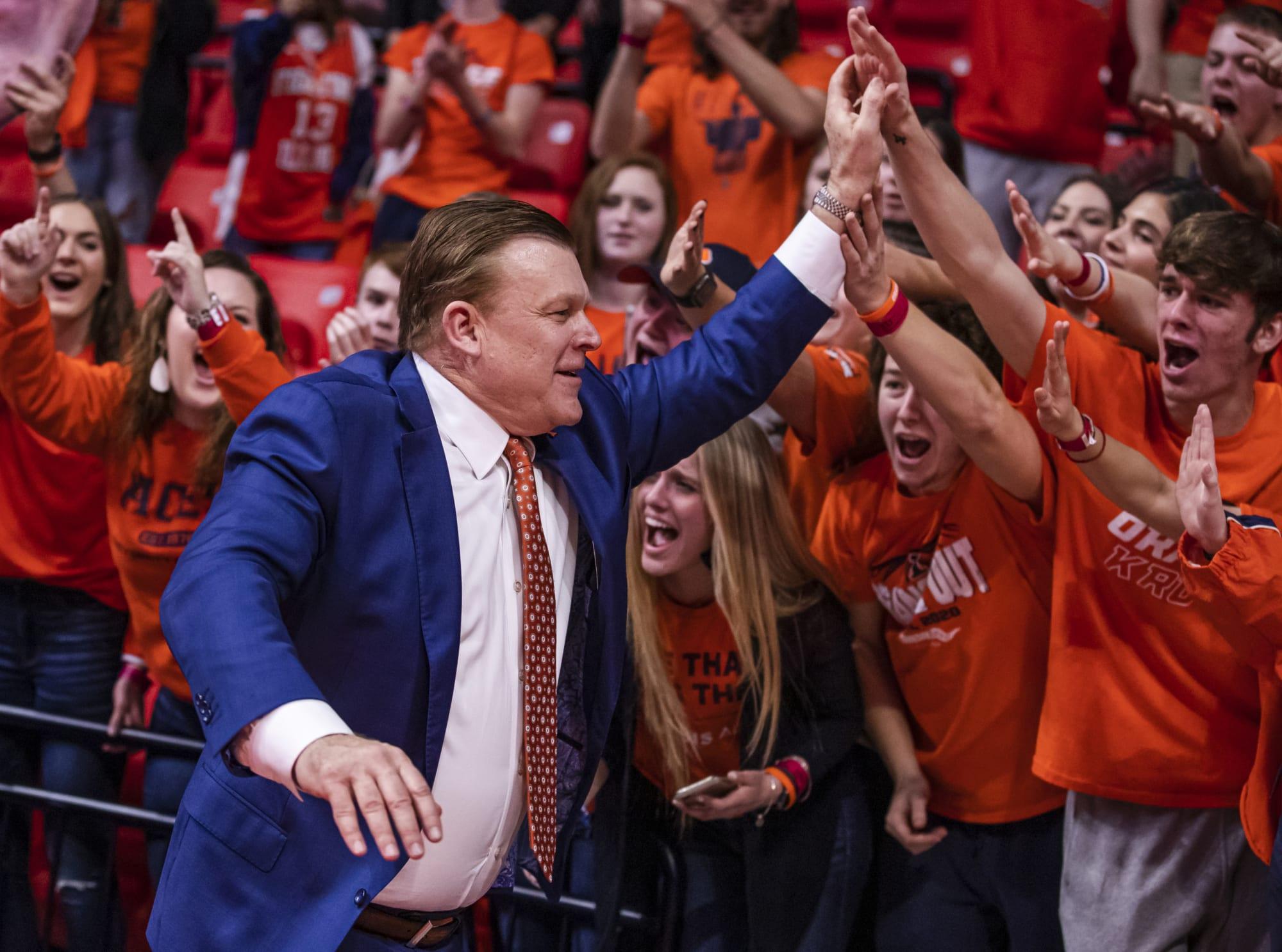 Illinois Basketball: Brad Underwood teases Ubben renovations