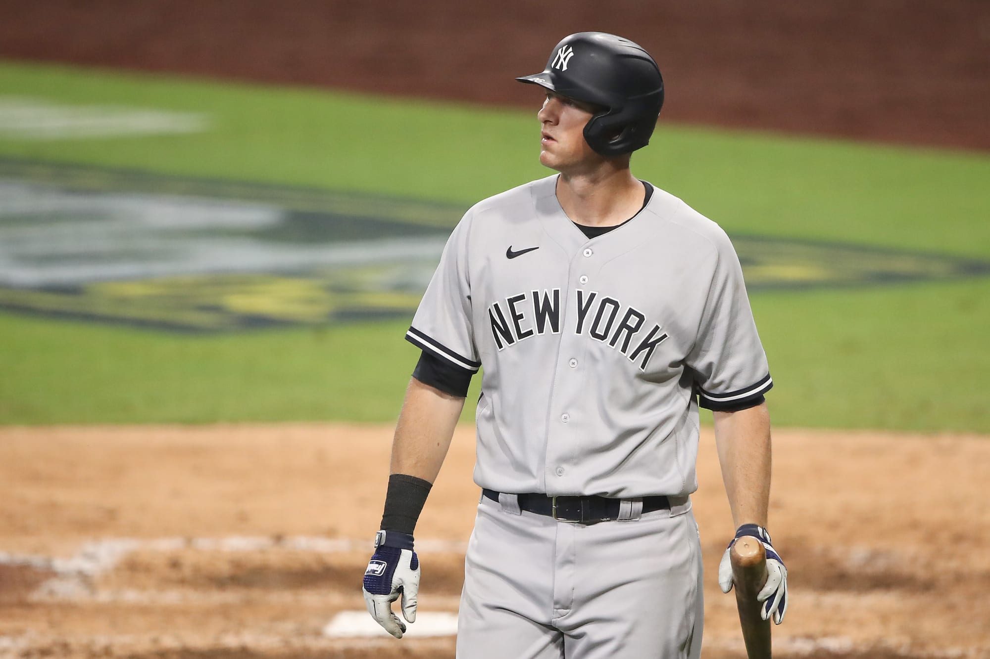 Yankees: DJ LeMahieu flips out on umpire for terrible strike zone vs Blue Jays