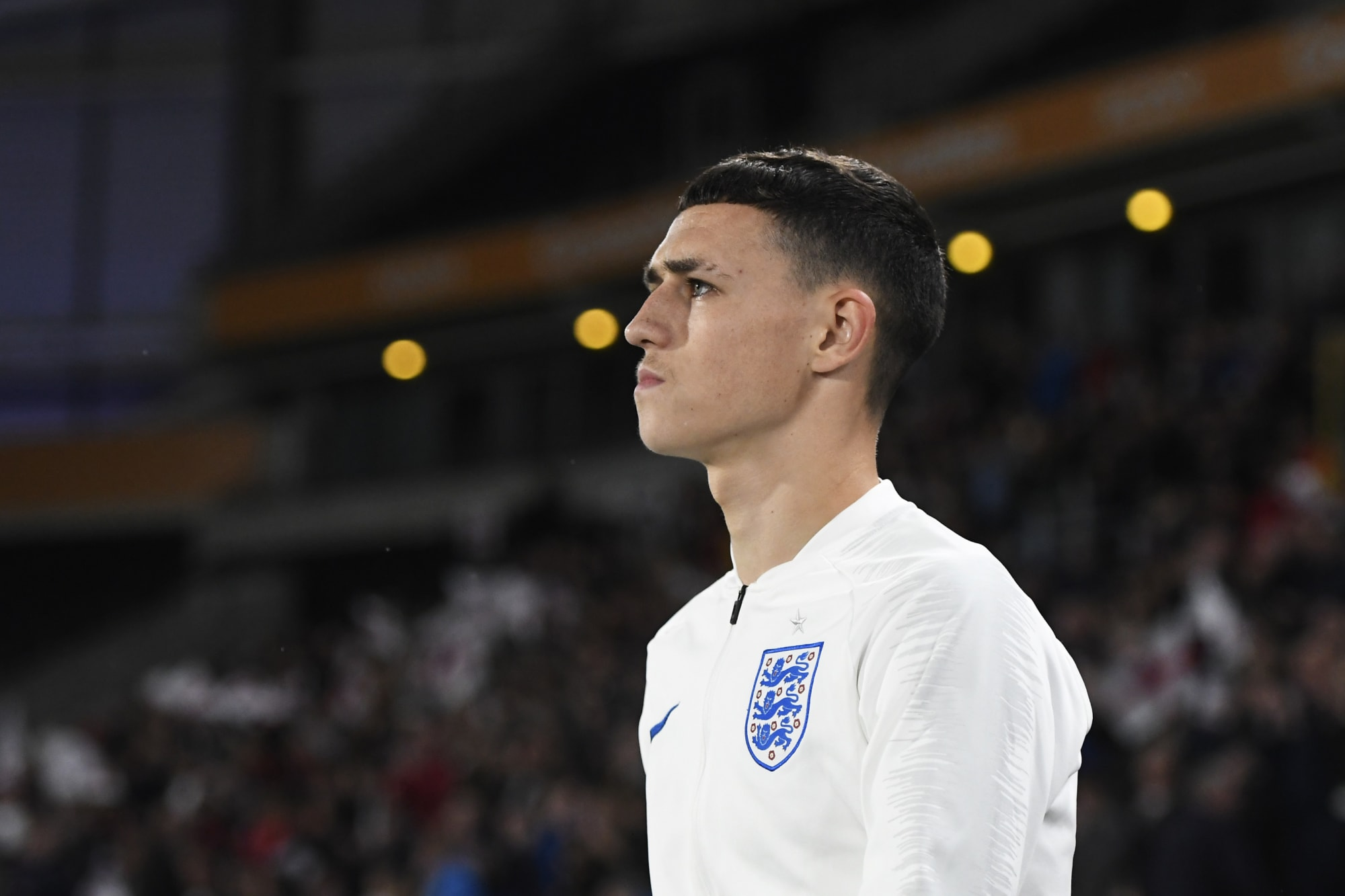 Phil Foden : Kissing The Manchester City Badge