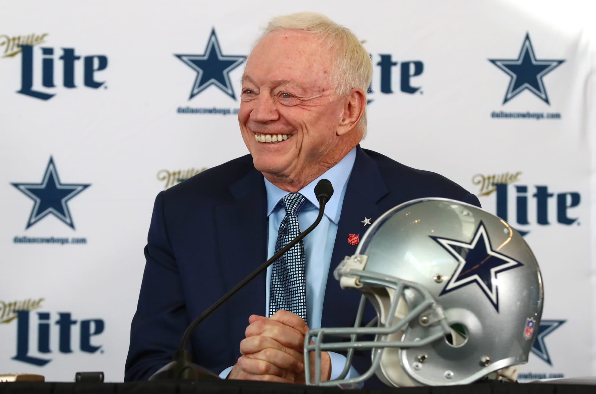 Tennessee Titans trade down with Dallas Cowboys in 4-round ...
