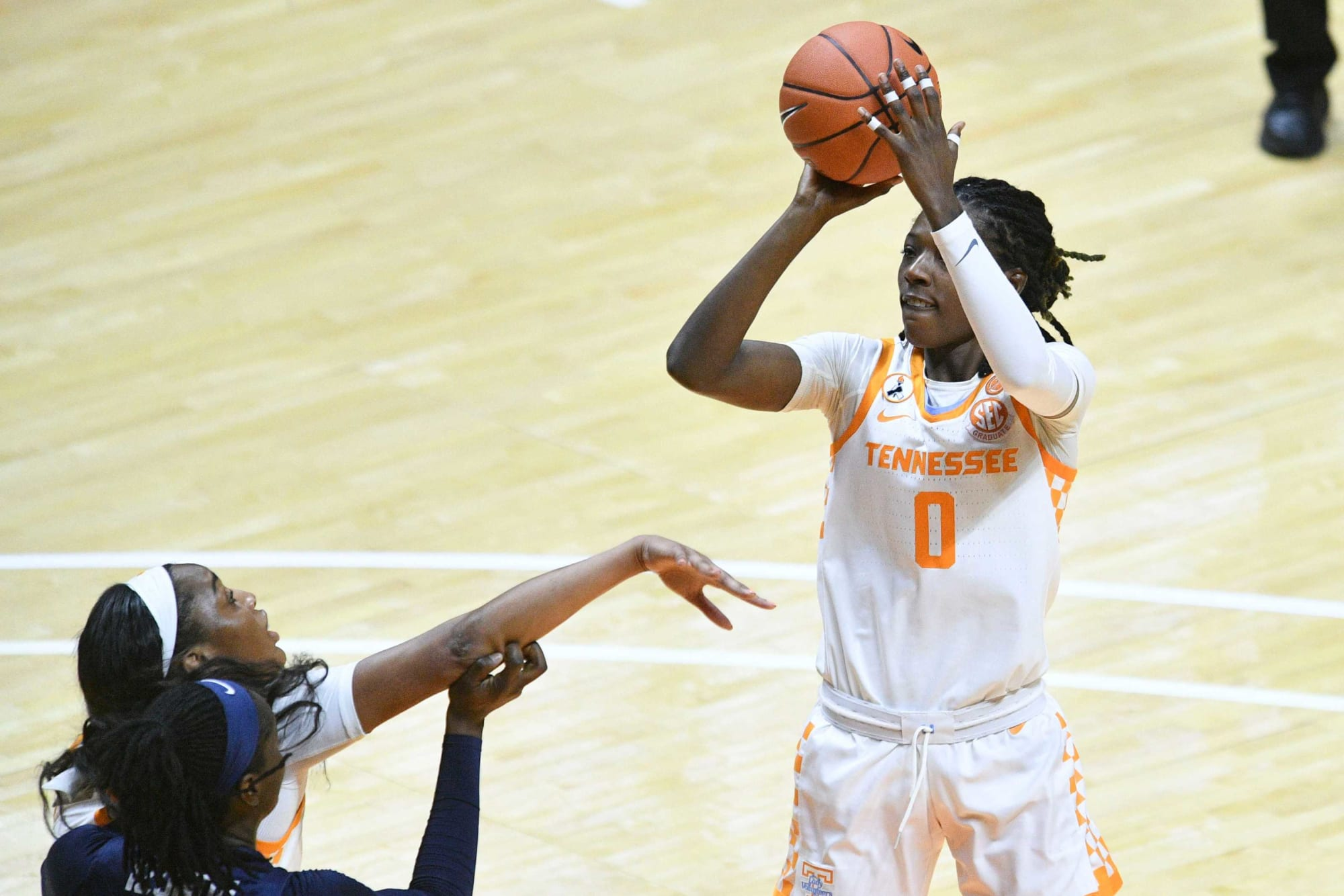 Tennessee Lady Vols still go as SEC Player of the Week Rennia Davis goes