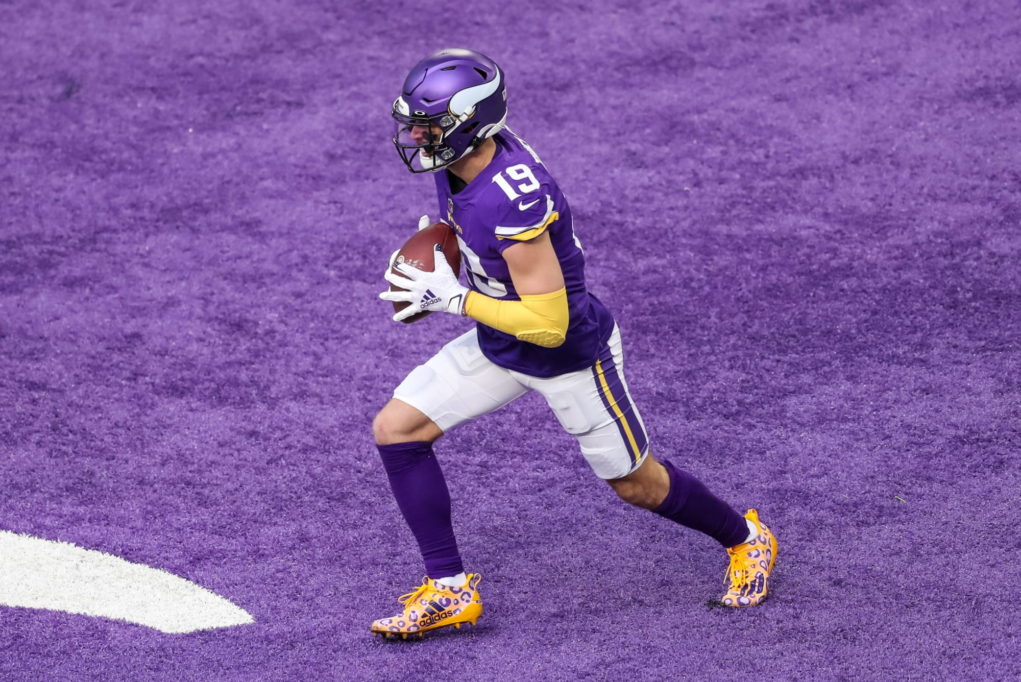 Adam Thielen auctioning off Alex Trebek tribute cleats for pancreatic cancer charity