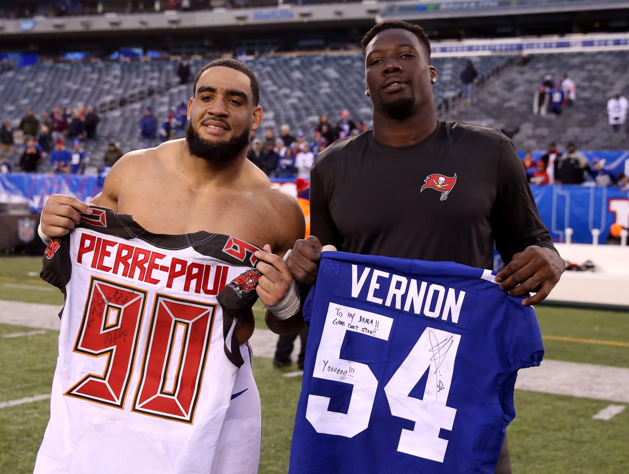 New York Giants: Olivier Vernon staying put, for now