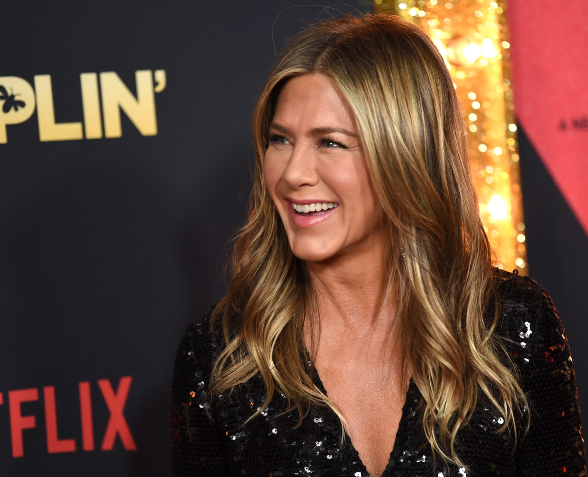 Jennifer Aniston Is Ready To Date Again Four Years After Divorce; Justin Theroux Or David Schwimmer?