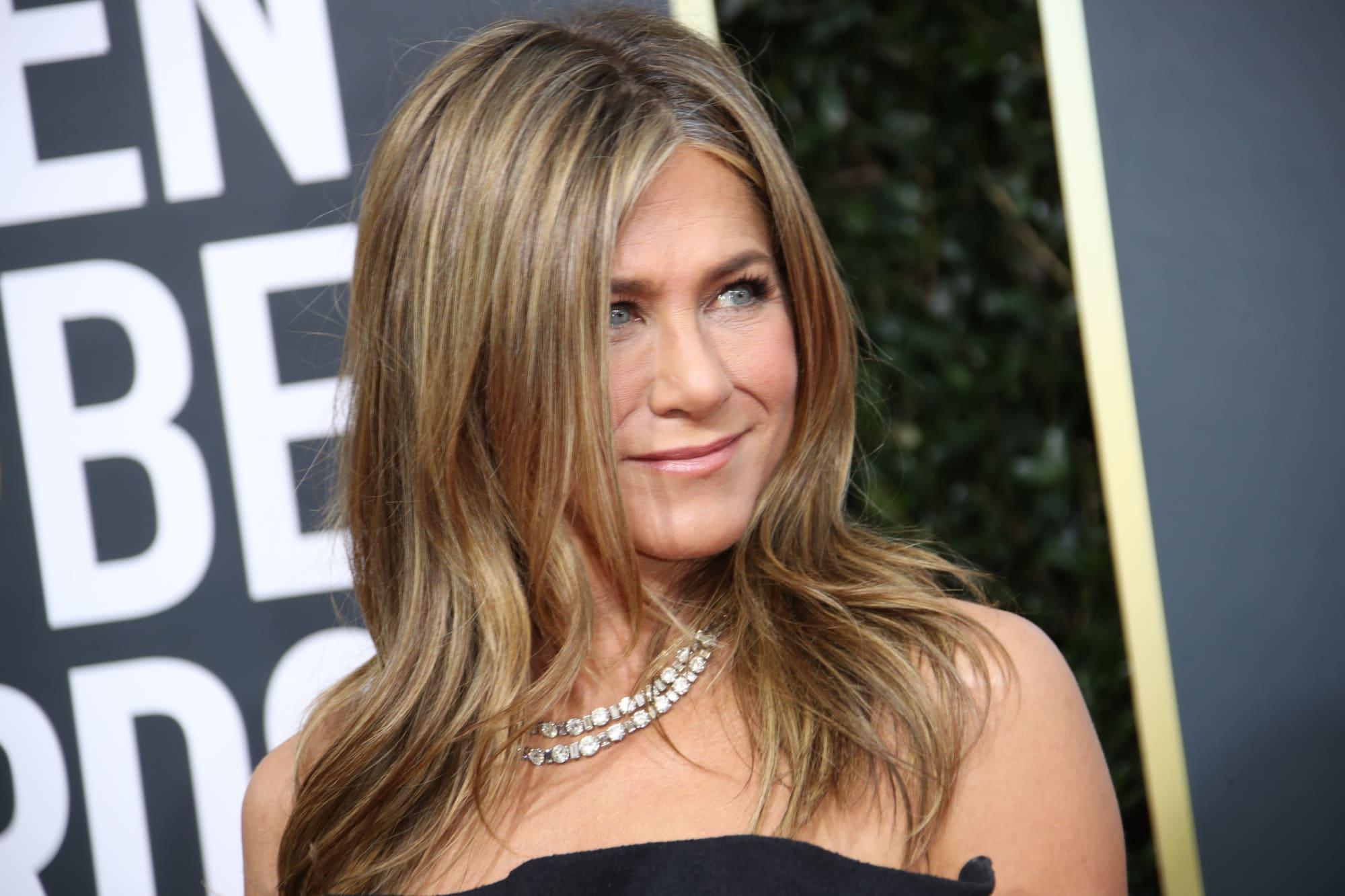 Jennifer Aniston Wishes Ex Justin Theroux Happy Birthday, Amid David Schwimmer Romance Rumors