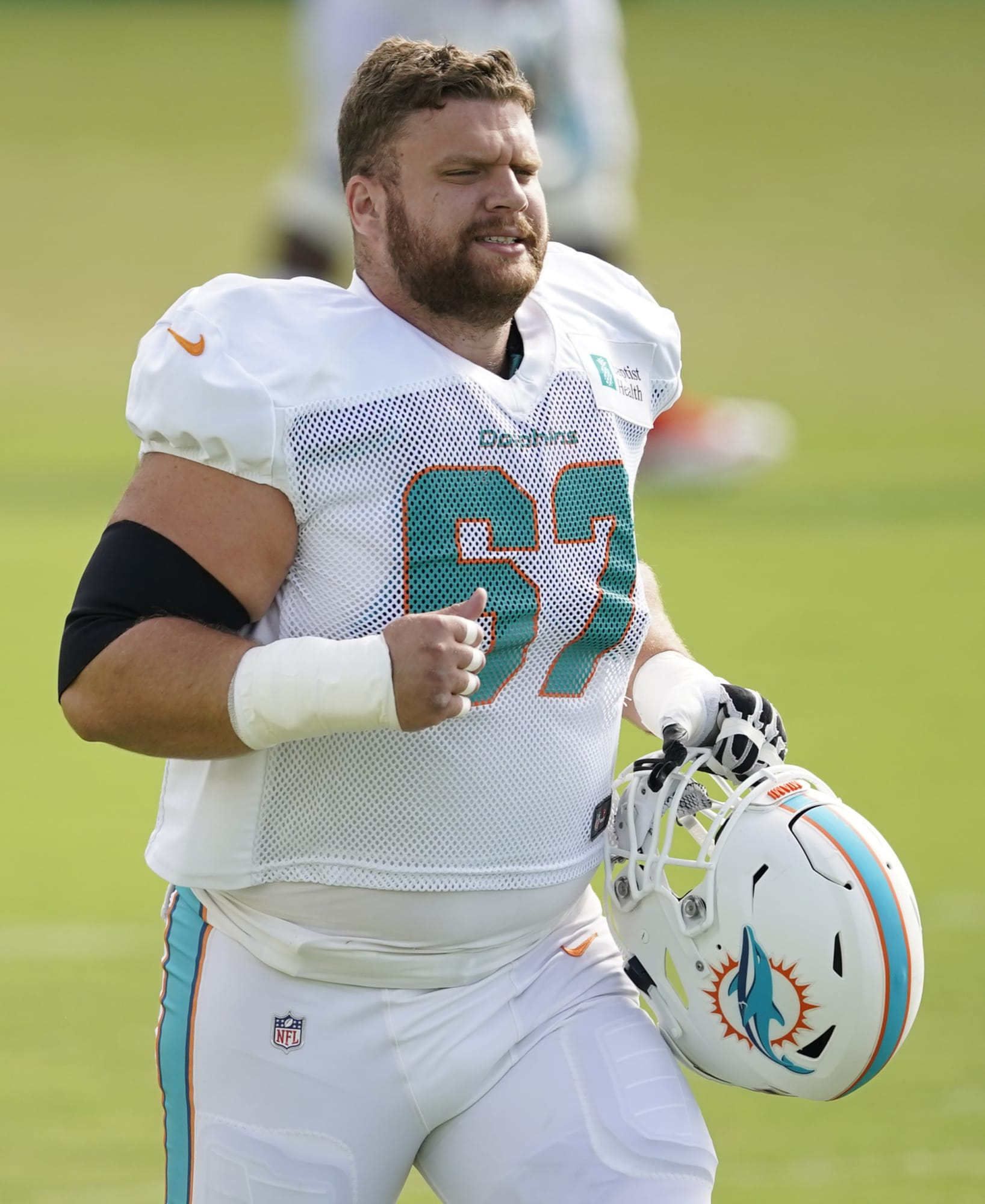 Ted Karras' quote about joining Dolphins is a shot at Patriots