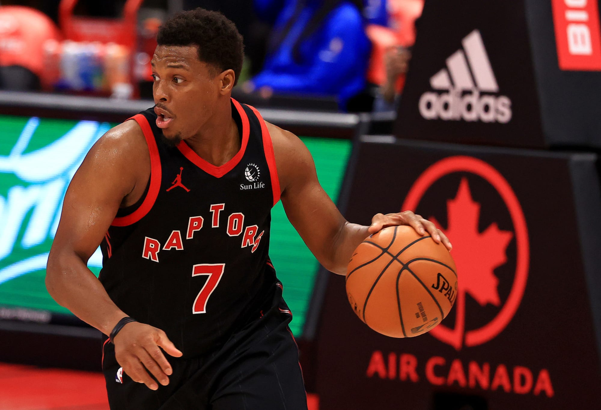 The Raptors need to keep Kyle Lowry around and ignore the trade rumors