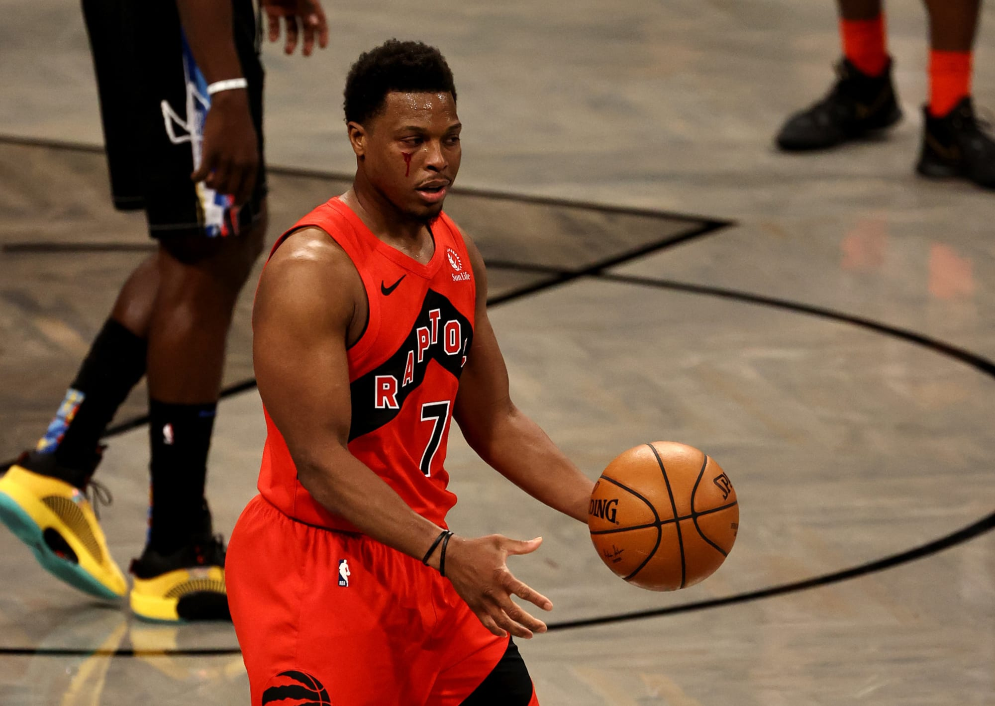 Raptors: Kyle Lowry's late-game heroics helps Toronto beat Nets in controversial game
