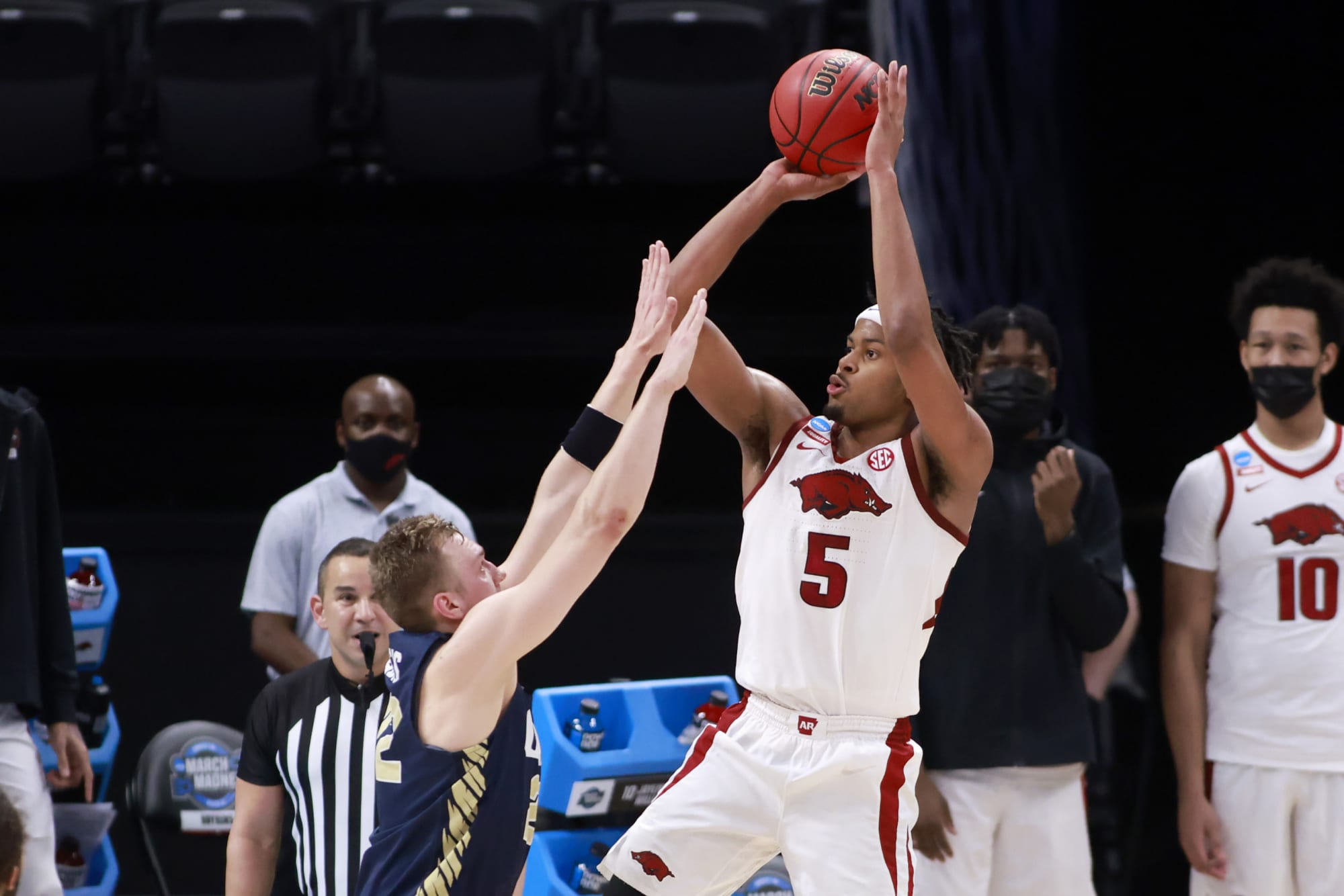 Toronto Raptors draft: Will Moses Moody end up with Toronto after Elite 8 exit?