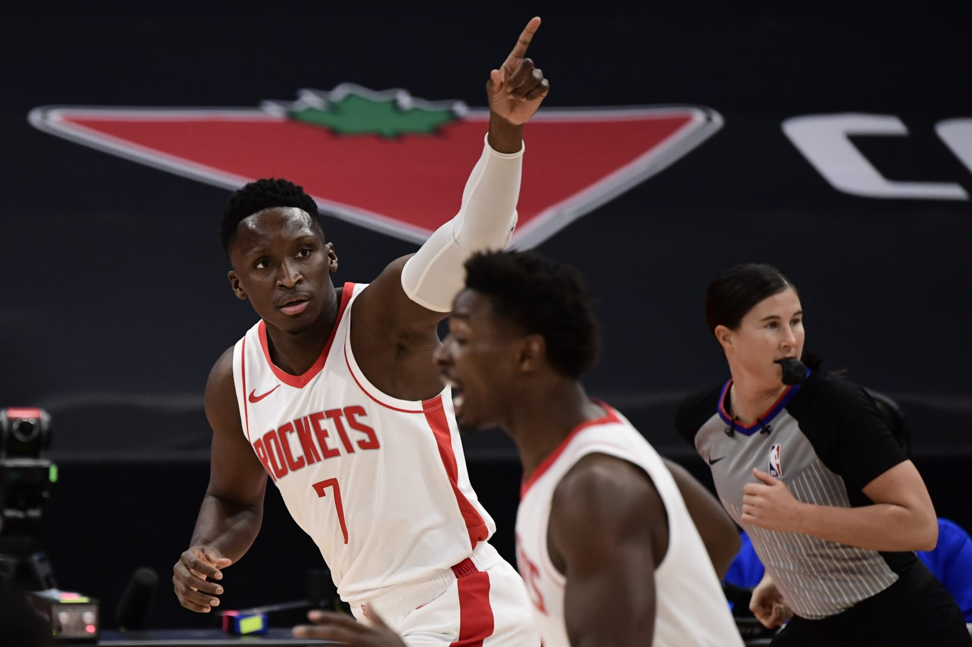 Toronto Raptors: Masai Ujrii can't target Victor Oladipo after latest injury