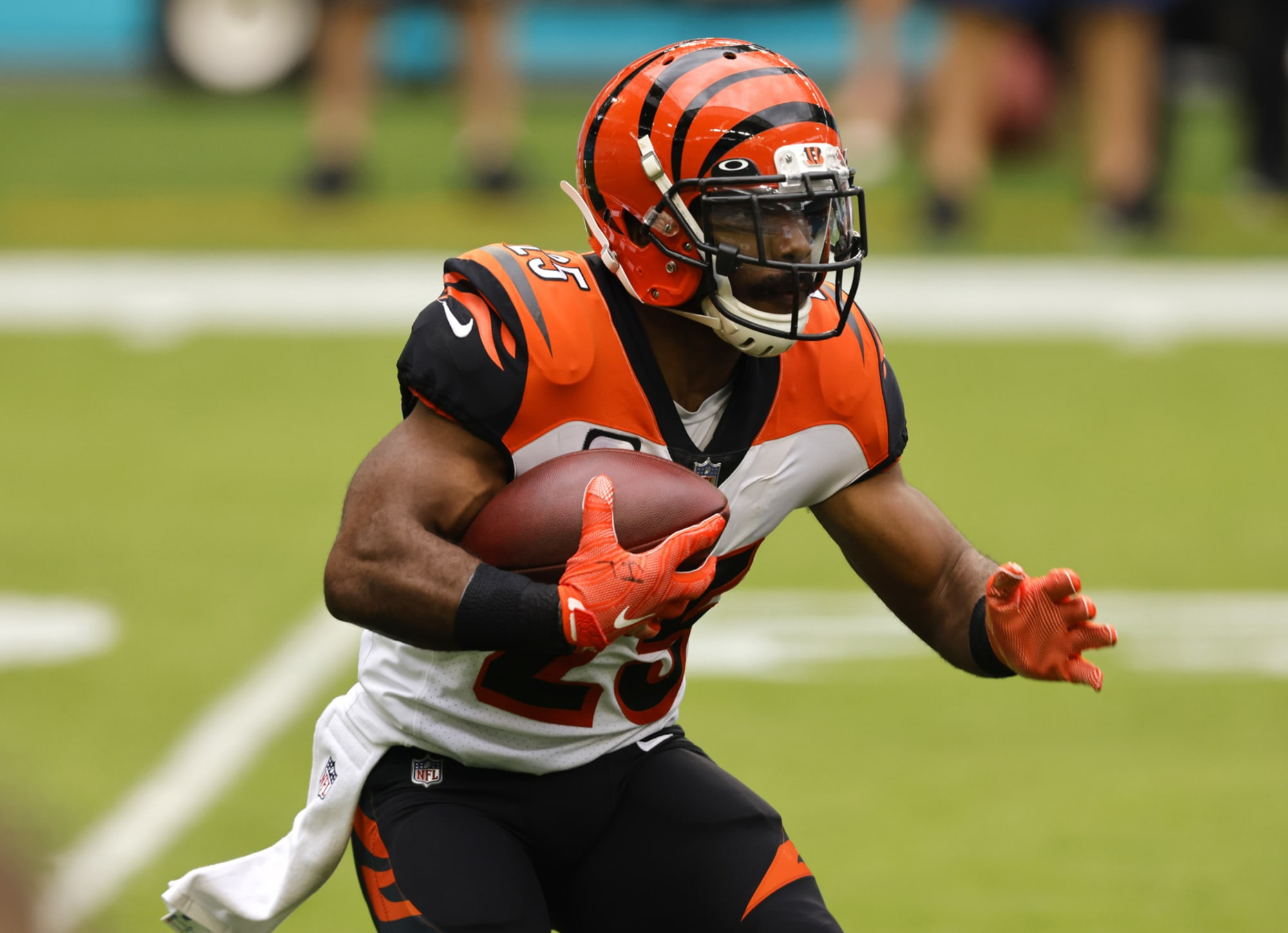 Buccaneers: Giovani Bernard fitting in perfectly in Tampa