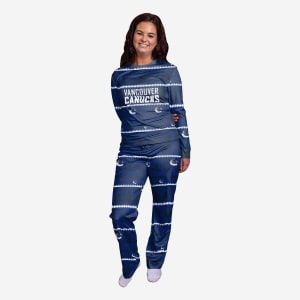 Vancouver Canucks Womens Family Holiday Pajamas - M