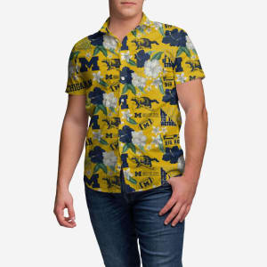 Michigan Wolverines City Style Button Up Shirt - XL