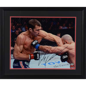 Luke Rockhold Ultimate Fighting Championship Fanatics Authentic Framed Autographed 16'' x 20'' Landing Elbow Photograph