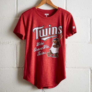 Tailgate Women's We're Gonna Win Twins T-Shirt Red XS