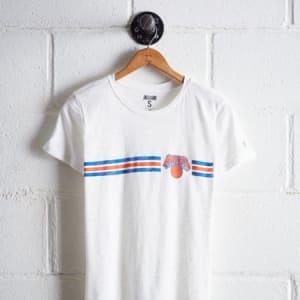Tailgate Women's New York Knicks Graphic Tee White XS