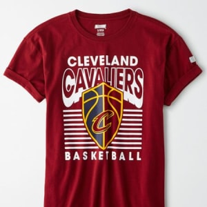 Tailgate Women's Cleveland Cavaliers Rolled Sleeve T-Shirt Burgundy XS