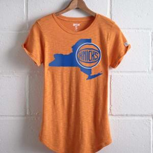 Tailgate Women's New York Knicks T-Shirt Orange L