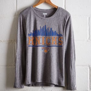 Tailgate Women's NY Knicks Long Sleeve T-Shirt Gray Heather L