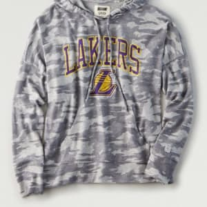 Tailgate Women's LA Lakers Camo Plush Hoodie Camo Green XS