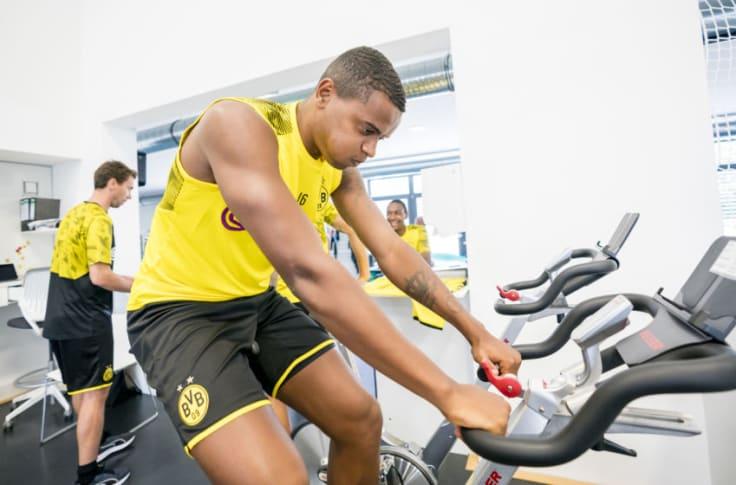 Borussia Dortmund News Roundup Akanji A Doubt For Tour Youngsters Set To Travel Watzke Talks Hummels Mandzukic No Longer A Target