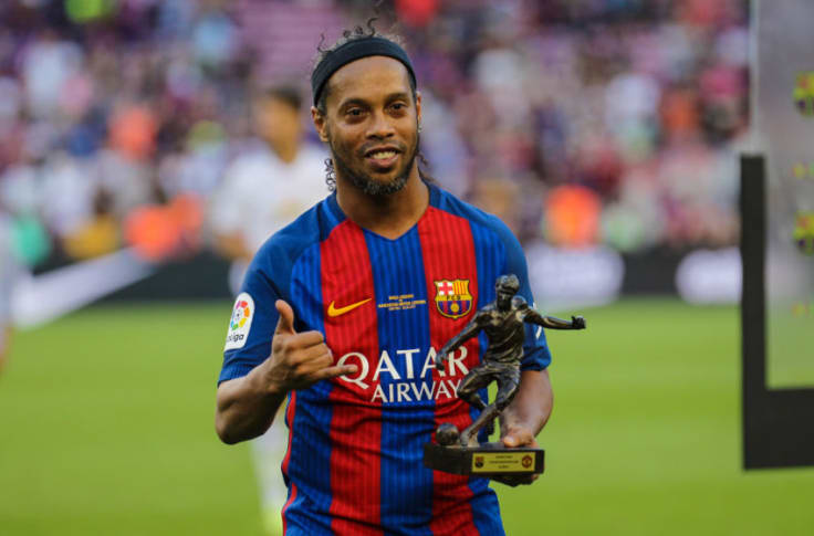 Fc Barcelona Legend Ronaldinho Retires From Football