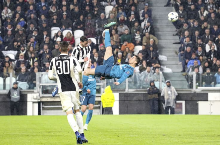 Cristiano Ronaldo Has A Bicycle Kick Problem Scores Another In Training