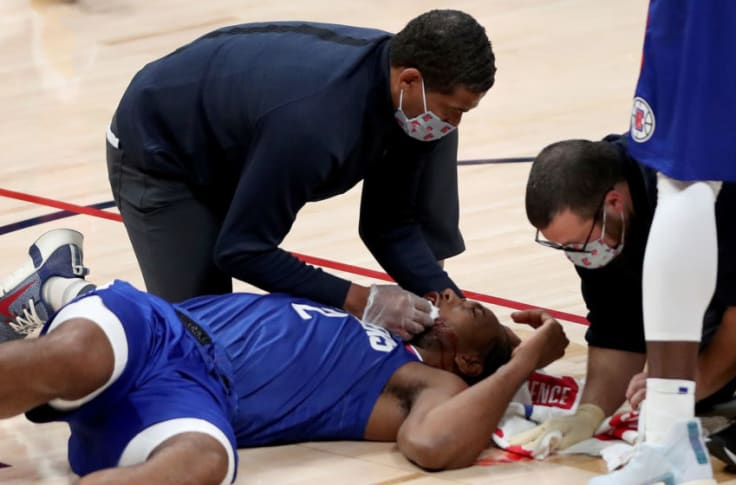 Hflokrnbyi2tdm When i first saw it, i thought it stopped him talking as people have been warned about what to say to lecter. https fansided com 2020 12 30 kawhi leonard dons hannibal lecter mask mouth laceration photo