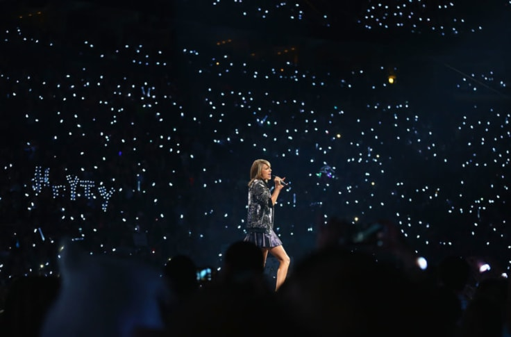 Taylor Swift Tops Billboard Hot 100 For Third Week Fans Of Taylor