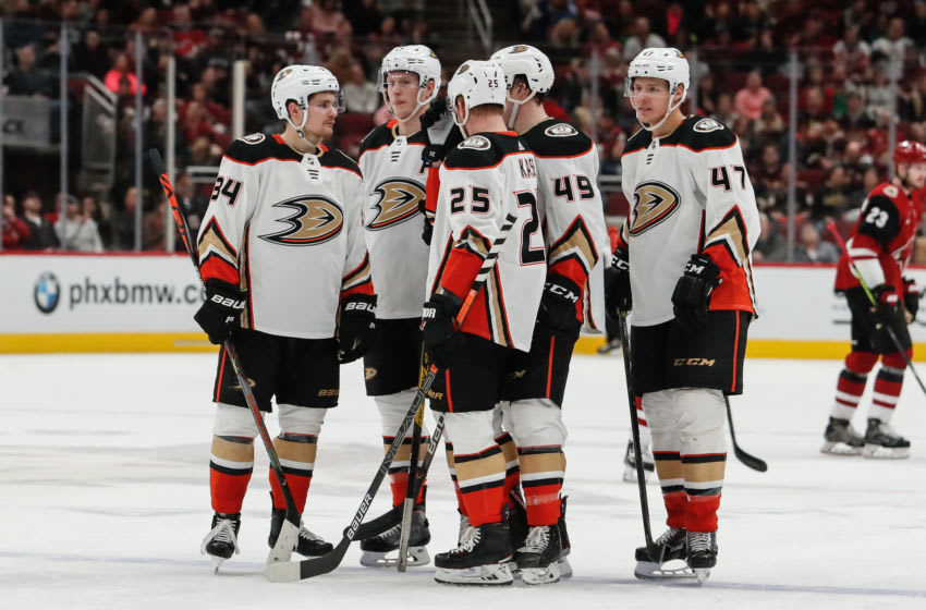 GLENDALE, AZ - JANUARY 02: The Anaheim Ducks discuss strategy during the NHL hockey game between the Anaheim Ducks and the Arizona Coyotes on January 2, 2020 at Gila River Arena in Glendale, Arizona. (Photo by Kevin Abele/Icon Sportswire via Getty Images)