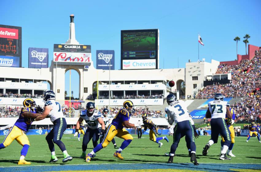 LOS ANGELES, CA - SEPTEMBER 18: Quarterback Russell Wilson