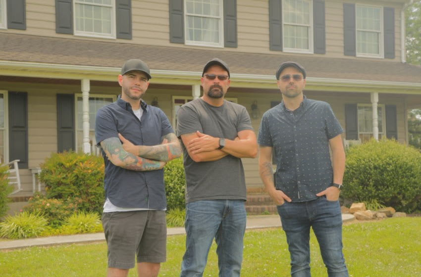 WS – Steve Gonsalves, Jason Hawes, and Dave Tango outside the Ramos house in Dover, Delaware.