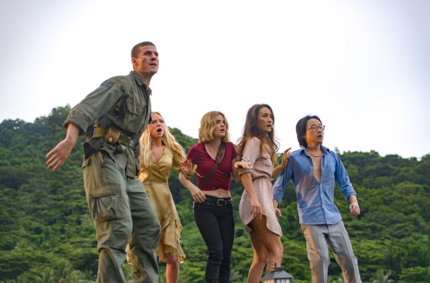 Austin Stowell, Portia Doubleday, Lucy Hale, Maggiie Q and Jimmy O. Yang in Columbia Pictures' BLUMHOUSE'S FANTASY ISLAND.