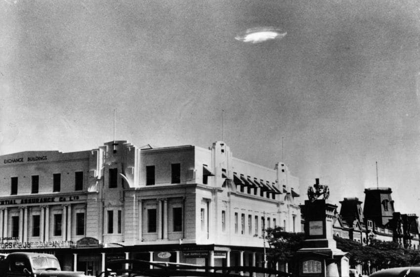 29th December 1953: An Unidentified Flying Object in the sky over Bulawayo, Southern Rhodesia. (Photo by Barney Wayne/Keystone/Getty Images)