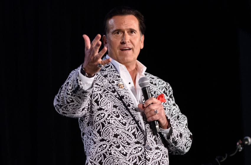 CHICAGO, IL - AUGUST 22: Bruce Campbell attends Wizard World Comic Con Chicago 2015 at Donald E. Stephens Convention Center on August 22, 2015 in Chicago, Illinois. (Photo by Daniel Boczarski/Getty Images)