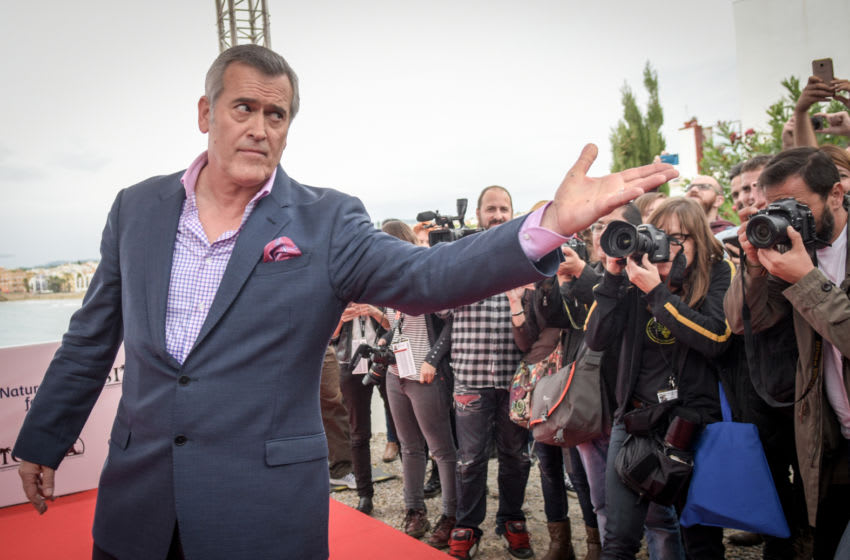 SITGES, SPAIN - OCTOBER 12: Bruce Campbell poses during a photocall at the Sitges Film Festival 2016 on October 12, 2016 in Sitges, Spain. (Photo by Robert Marquardt/Getty Images)