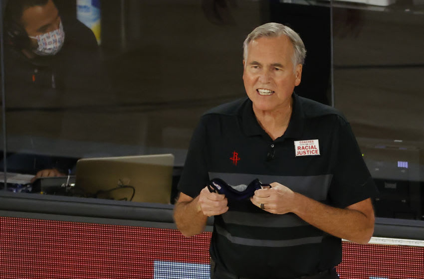 LAKE BUENA VISTA, FLORIDA - AUGUST 29: Mike D'Antoni of the Houston Rockets yells to his team against the Oklahoma City Thunder during the fourth quarter in Game Five of the Western Conference First Round during the 2020 NBA Playoffs at the Field House at ESPN Wide World Of Sports Complex on August 29, 2020 in Lake Buena Vista, Florida. NOTE TO USER: User expressly acknowledges and agrees that, by downloading and or using this photograph, User is consenting to the terms and conditions of the Getty Images License Agreement. (Photo by Kevin C. Cox/Getty Images)