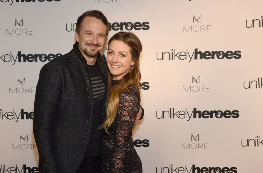 NASHVILLE, TN - MAY 02: (L-R) Evan Bass and Carly Waddell from TV show The Bachelor take photos on carpet for Unlikely Heroes hosts, Night of Freedom, A Tribute to the Legend George Michael at City Winery Nashville on May 2, 2017 in Nashville, Tennessee. (Photo by Rick Diamond/Getty Images for Unlikely Heroes)