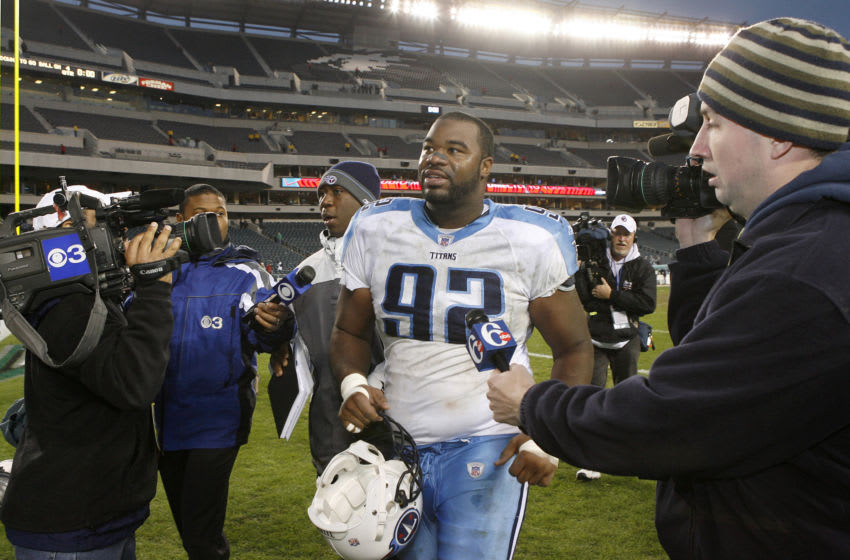 The Titans Albert Haynesworth (92) leaves the field after the game. The Tennessee Titans defeated the Philadelphia Eagles 31 to 13 at Lincoln Financial Field in Philadelphia, Pennsylvania on November 19, 2006. (Photo by Joseph Labolito/NFLPhotoLibrary)