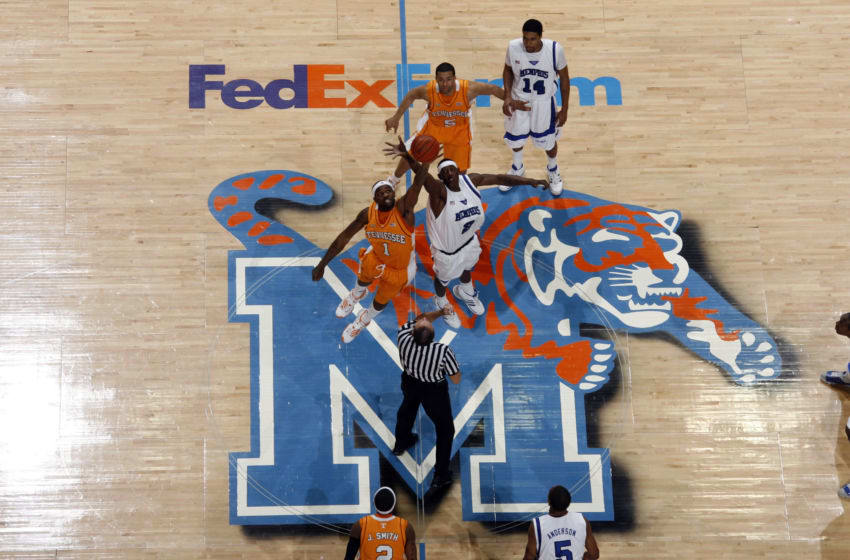MEMPHIS, TN - FEBRUARY 23: Robert Dozier #2 of the Memphis Tigers jumps against Tyler Smith #1 of the Tennessee Volunteers at FedExForum on February 23, 2008 in Memphis, Tennessee. (Photo by Joe Murphy/Getty Images)