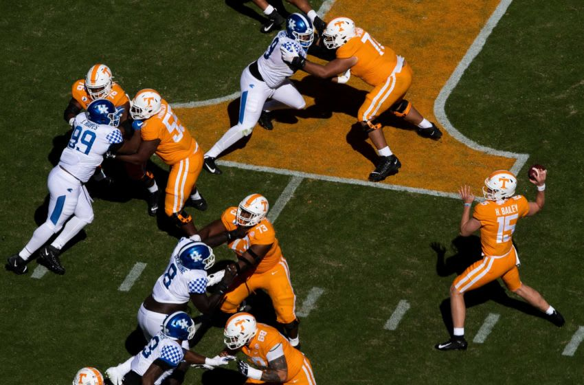 Tennessee quarterback Harrison Bailey (15) throws a pass during a SEC conference football game between the Tennessee Volunteers and the Kentucky Wildcats held at Neyland Stadium in Knoxville, Tenn., on Saturday, October 17, 2020. Kns Ut Football Kentucky Bp