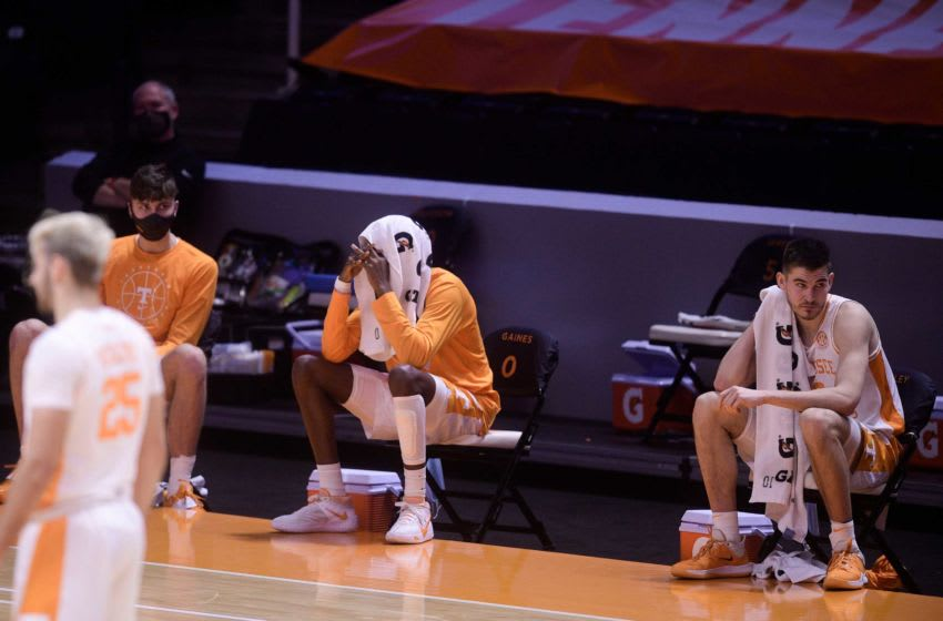Tennessee players react before losing to Alabama 71-63 at Thompson-Boling Arena in Knoxville, Tenn. on Saturday, Jan 2, 2021. 010221 Ut Bama Gameaction