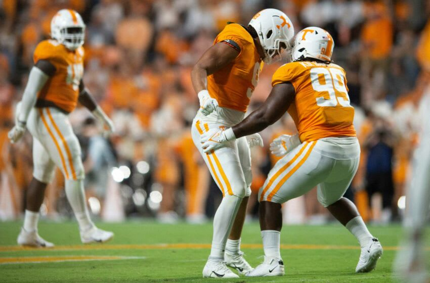 Tennessee linebacker Tyler Baron (9) and Tennessee defensive lineman Kurott Garland (99) celebrate after a defensive stop during the NCAA college football game between the Tennessee Volunteers and Bowling Green Falcons in Knoxville, Tenn. on Thursday, September 2, 2021. Ut Bowling Green