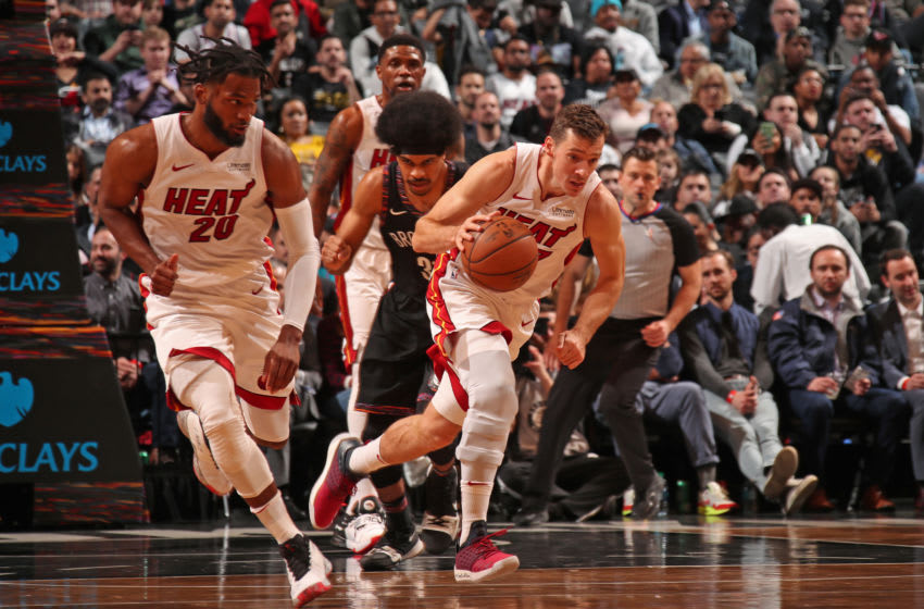 Goran Dragic #7 of the Miami Heat handles the ball against the Brooklyn Nets (Photo by Issac Baldizon/NBAE via Getty Images)