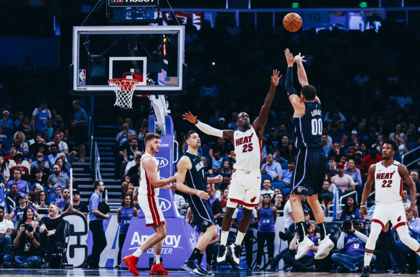Aaron Gordon #00 of the Orlando Magic puts up a jump shot against Kendrick Nunn #25 of the Miami Heat (Photo by Harry Aaron/Getty Images)